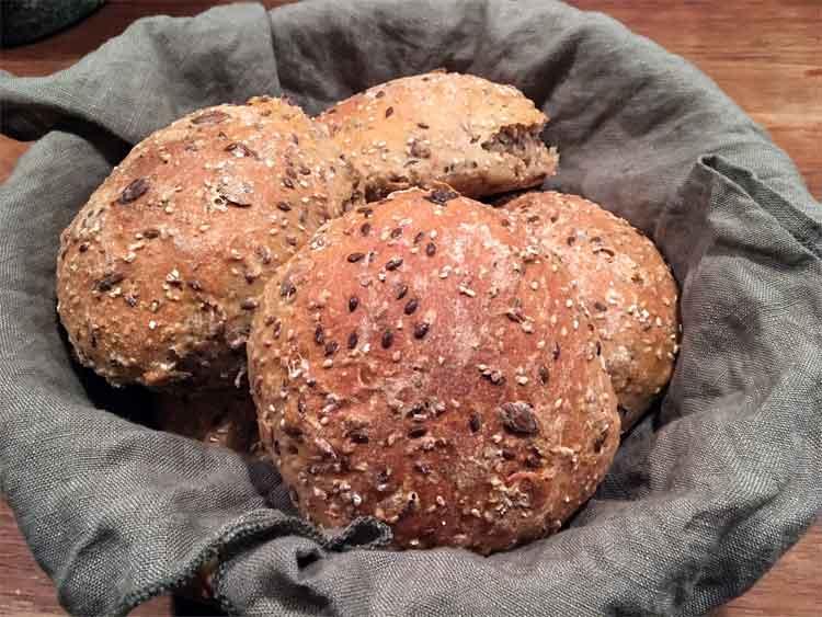 Om at bage brød uden opskrift