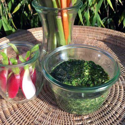 Opskrift: Salsa verde - sund, grøn dip