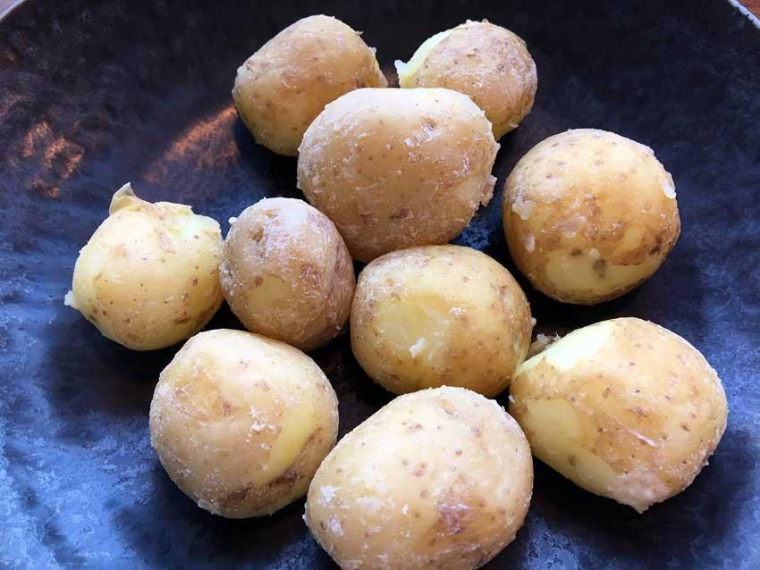 Saltbagte Kartofler I Gryde En Nem Måde At Lave Lækre Kartofler På