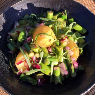 Opskrift: Sommersalat med asparges