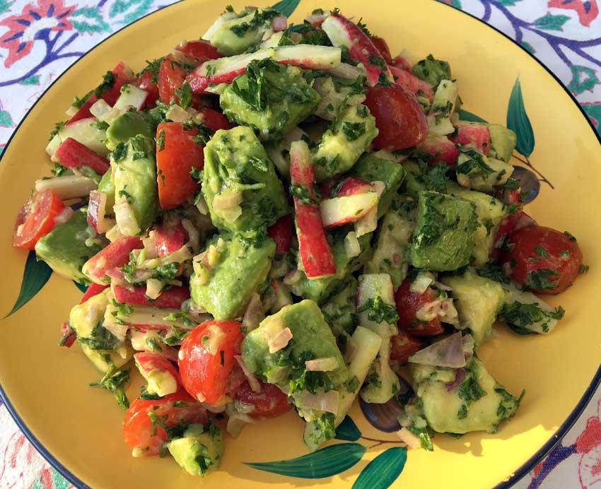 Opskrift: Avocadosalat med sennepsdressing