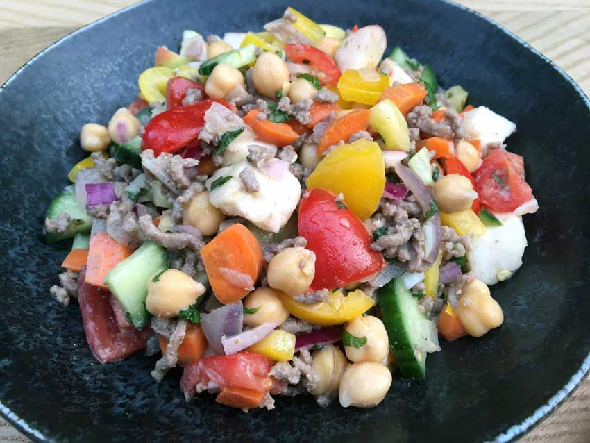 Opskrift: Kikærtesalat med hakket oksekød