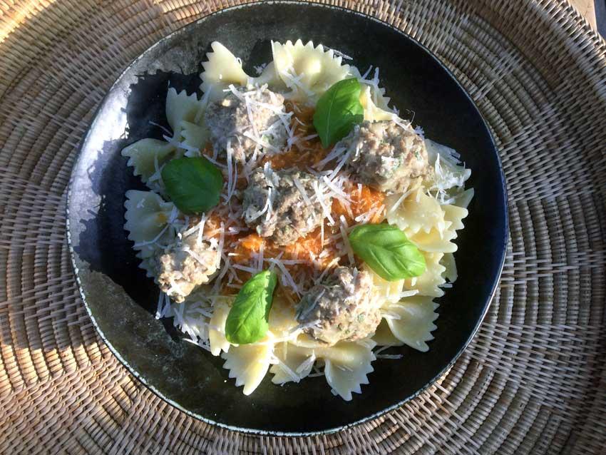 Opskrift: Italienske kødboller i tomatsovs