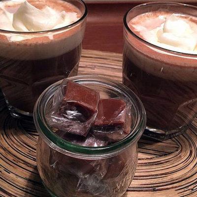 Opskrift: 2 kopper varm kakao