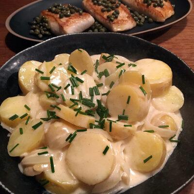 Opskrift: En venlig varm kartoffelsalat