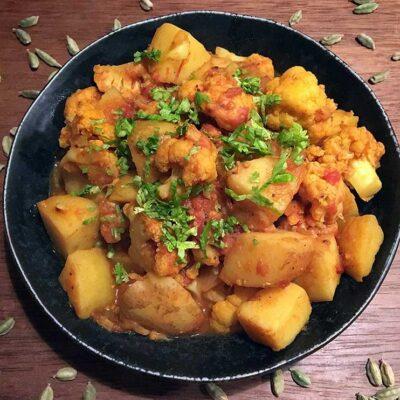 Opskrift: Indisk vegetar curry - aloo gobi