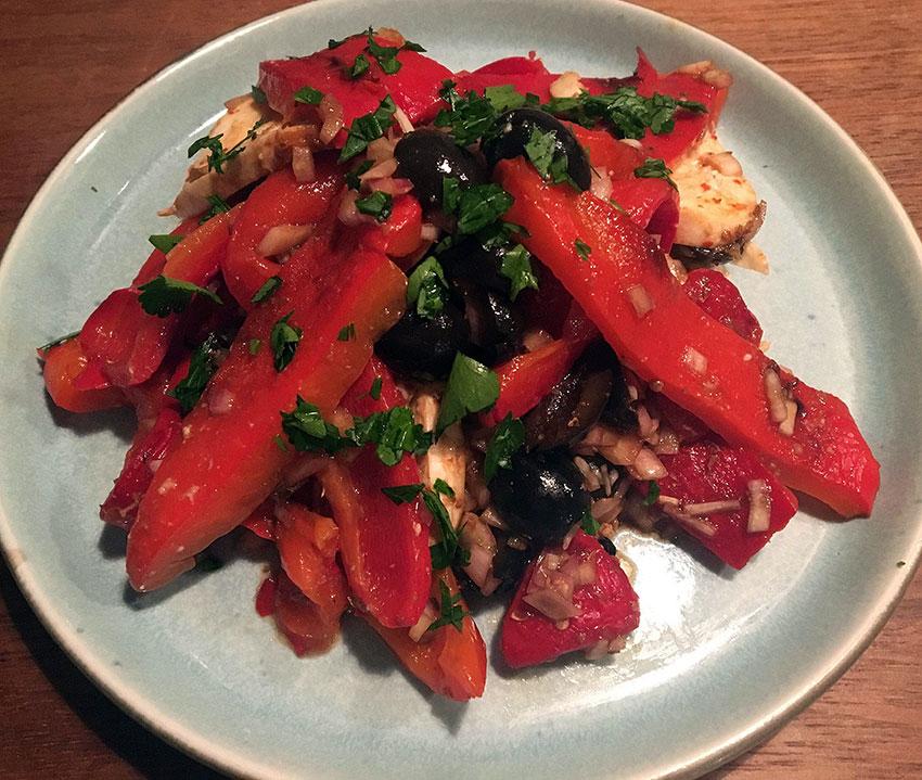 Opskrift: Salat med grillede peberfrugter – insalata di peperoni