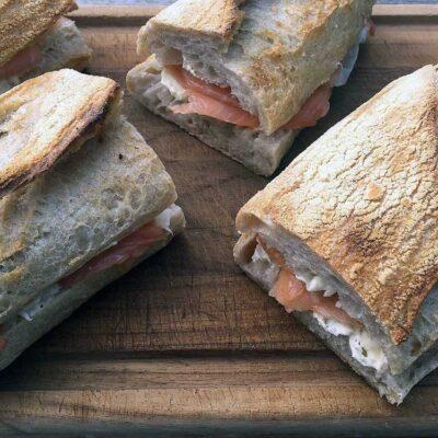 Opskrift: Sandwich med laks og peberrod