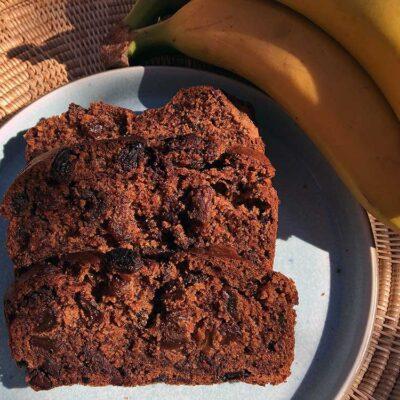 Opskrift: Bananbrød med chokolade og rosiner