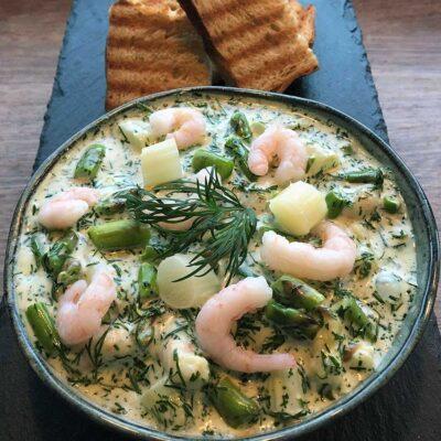 Opskrift: Luksus rejesalat med asparges