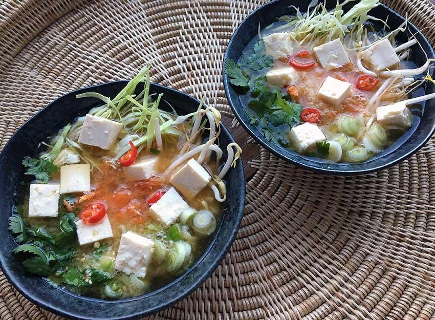 Opskrift: Hurtig vegansk misosuppe