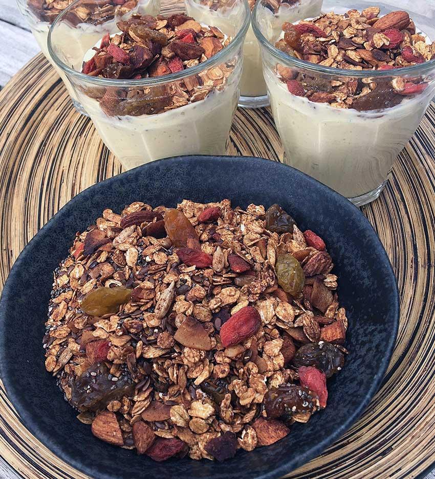 Opskrift: Chia granola med gojibær