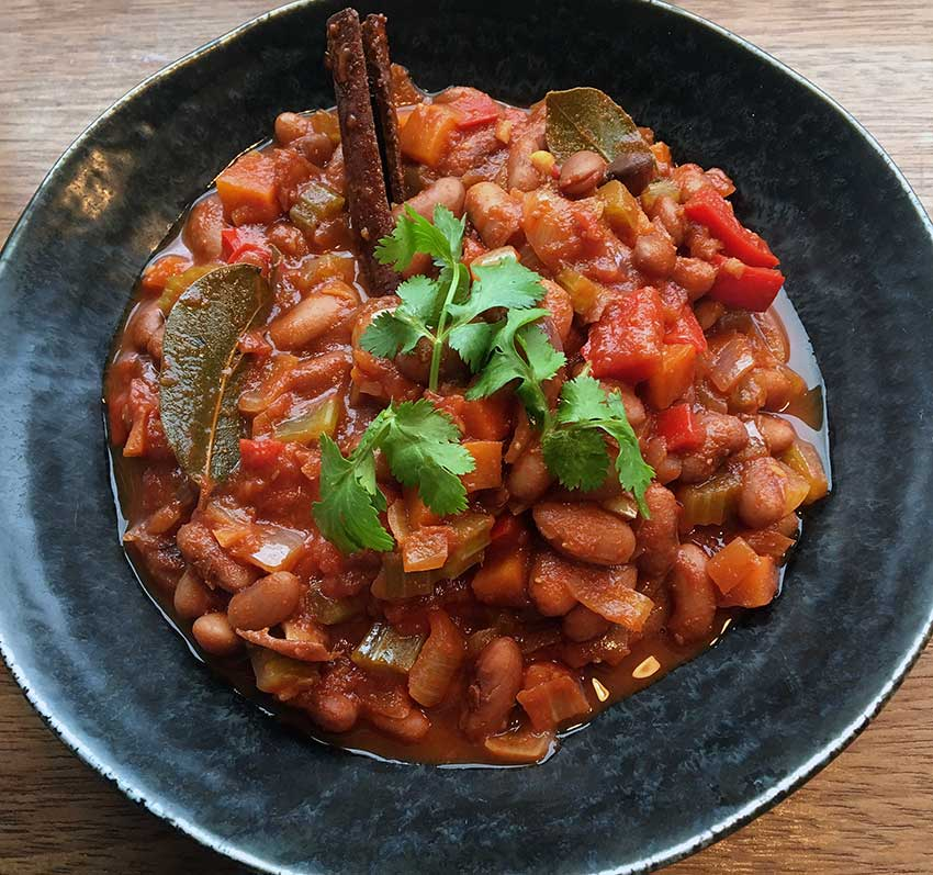 Opskrift: En vegansk chili sin carne med borlotti-bønner