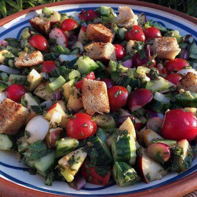 Opskrift: Fattoush - libanesisk bondesalat