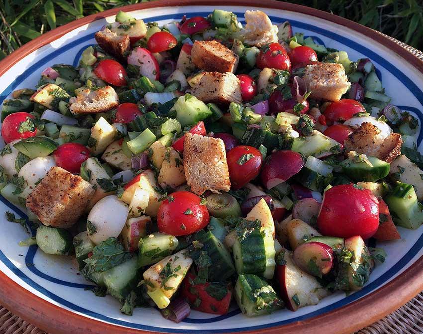 Opskrift: Fattoush – libanesisk bondesalat