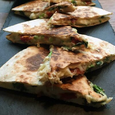 Opskrift: Vegetar quesadillas med bønnemos