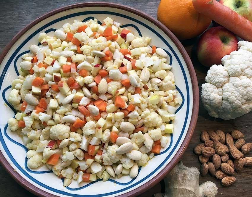 Opskrift: Salat med blomkål og mandler