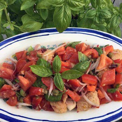 Opskrift: Panzanella - toscansk brødsalat