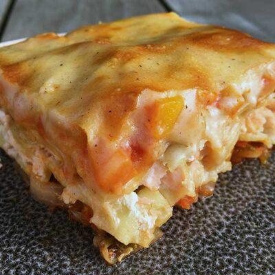Opskrift: Lasagne med laks og tomatsovs