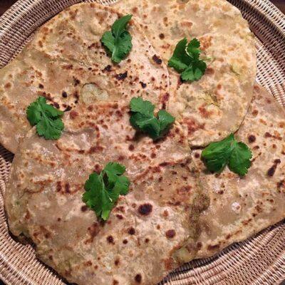 Opskrift: Aloo paratha - fyldte indiske pandekager
