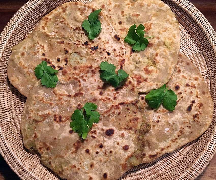 Opskrift: Aloo paratha – fyldte indiske pandekager