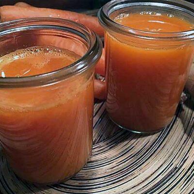 Opskrift: Hjemmelavet juice af gulerødder, ingefær og citron