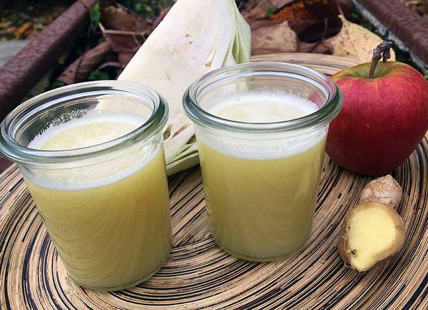 Opskrift: Hjemmelavet juice af hvidkål, æble og ingefær