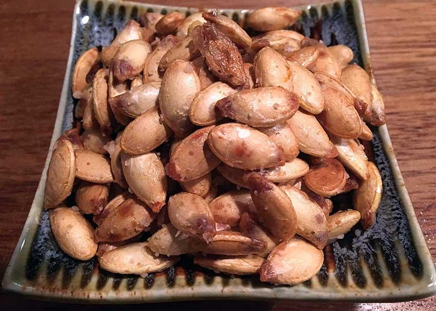 Opskrift: Hjemmelavede ristede græskarkerner i ovn