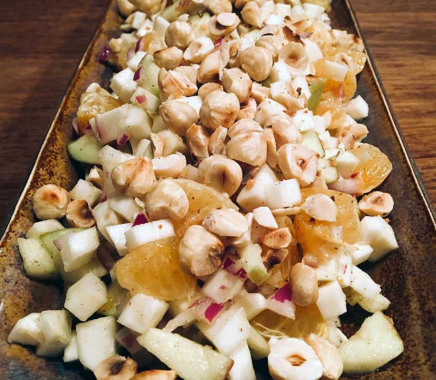 Opskrift: Saftig vintersalat med rå selleri og vanilje