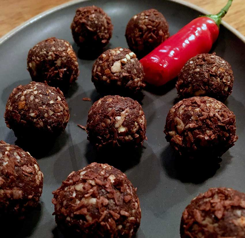 Opskrift: Spicy chokoladekugler (sukkerfri)