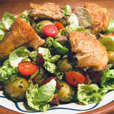 Opskrift: Sprængt kylling og kartoffelsalat