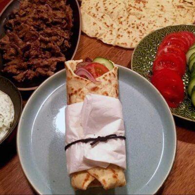 Opskrift: Traditionel gyros - græsk shawarma