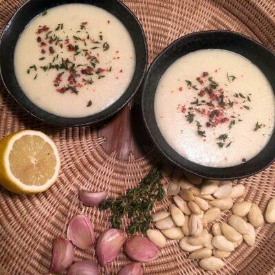 Opskrift: Spansk hvidløgssuppe - ajo blanco