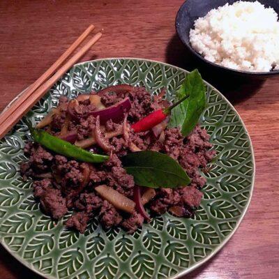 Opskrift: Thailandsk oksekød med basilikum og chili