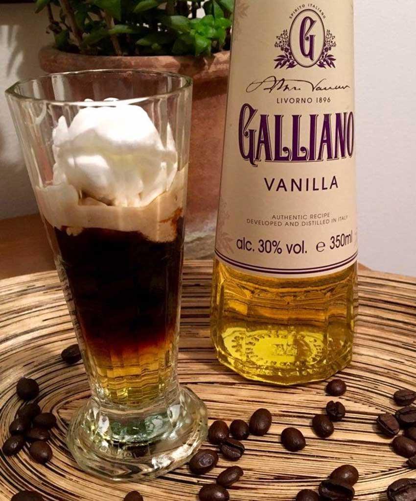 """Opskrift: Galliano Hot Shot med """"guf"""""""