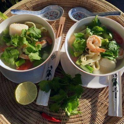 Opskrift: Nem thaisuppe med grøn karry