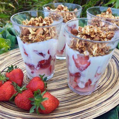 Opskrift: Jordbær med koldskål (uden kærnemælk)