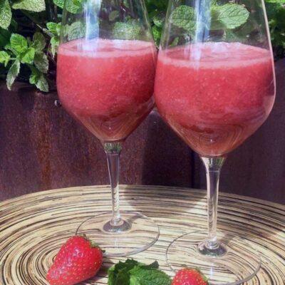 Opskrift: Hjemmelavet jordbærjuice