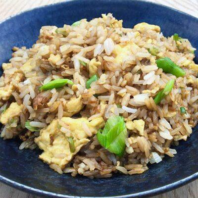 Opskrift: Kinesiske stegte ris med æg
