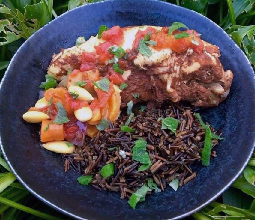 Opskrift: Marokkansk tomatkylling i tagine
