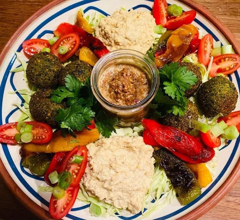 Opskrift: Falafel-bowl med hummus