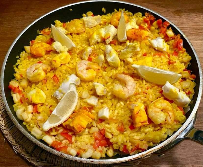 Opskrift: Arroz a banda – paella med fisk