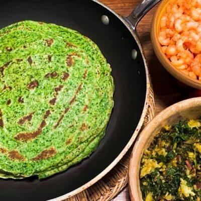 Groenkaalspandekager-med-kartoffelfyld-og-hvidloegsrejer