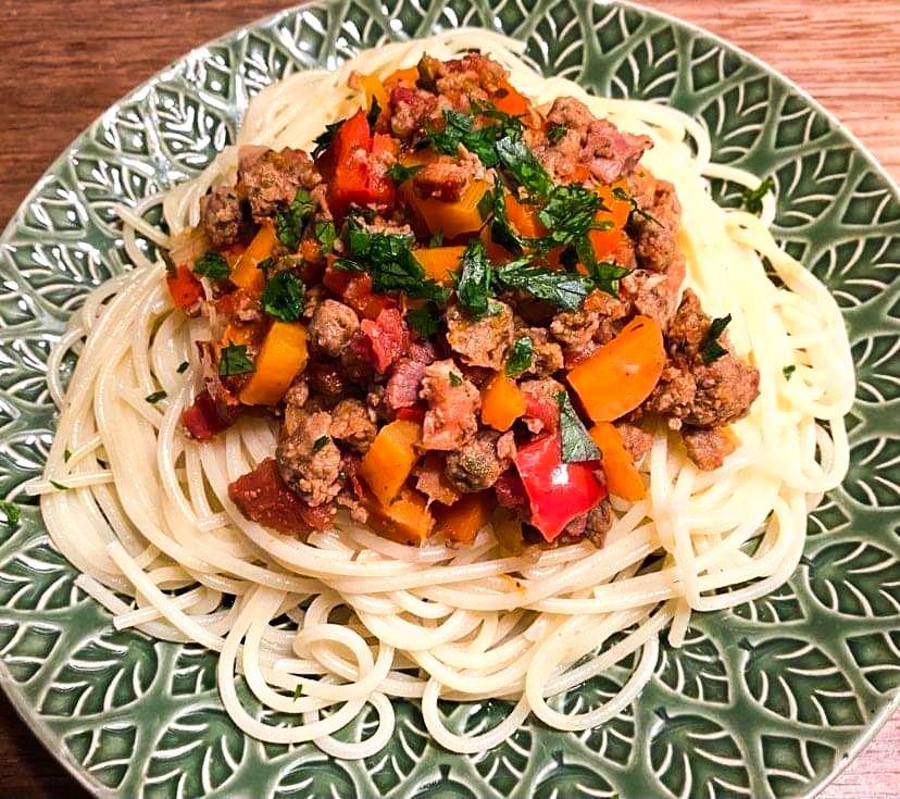 Opskrift: Vegetarisk spaghetti med kødsovs