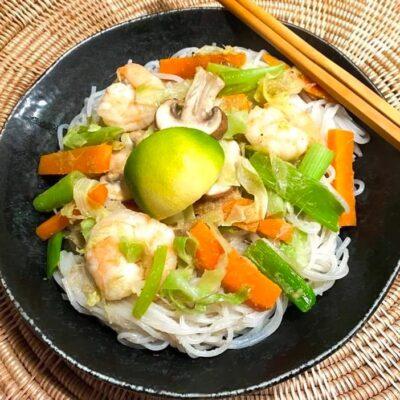 thai-groen-karry-med-rejer-og-nudler
