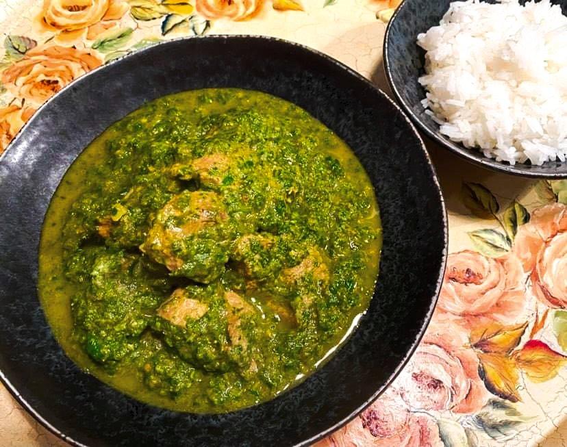 Opskrift: Indisk saag gosht med lam, spinat og karry