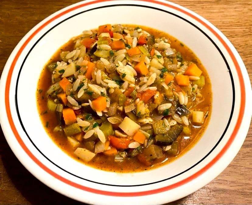 Opskrift: Vegetarisk minestrone med pasta