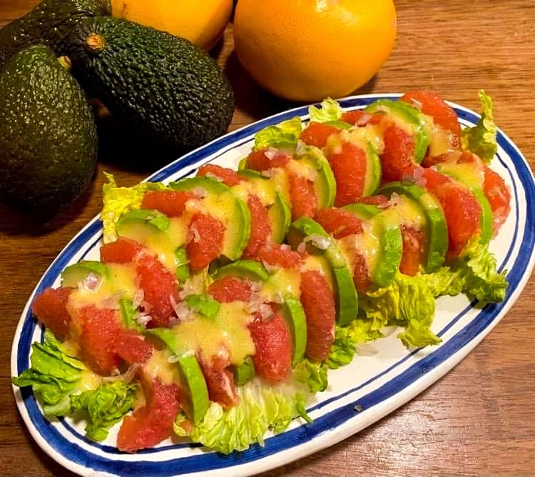 Opskrift: Avocadosalat med grapefrugt og sennepsvinaigrette