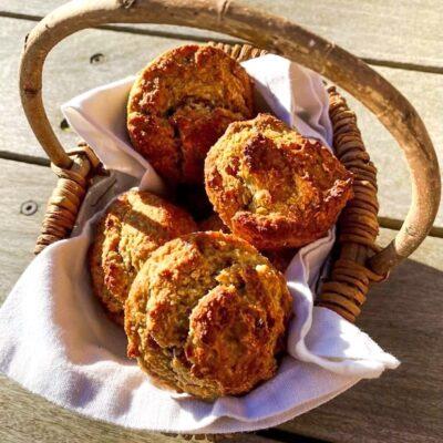 Muffins-med-bananer-og-dadler