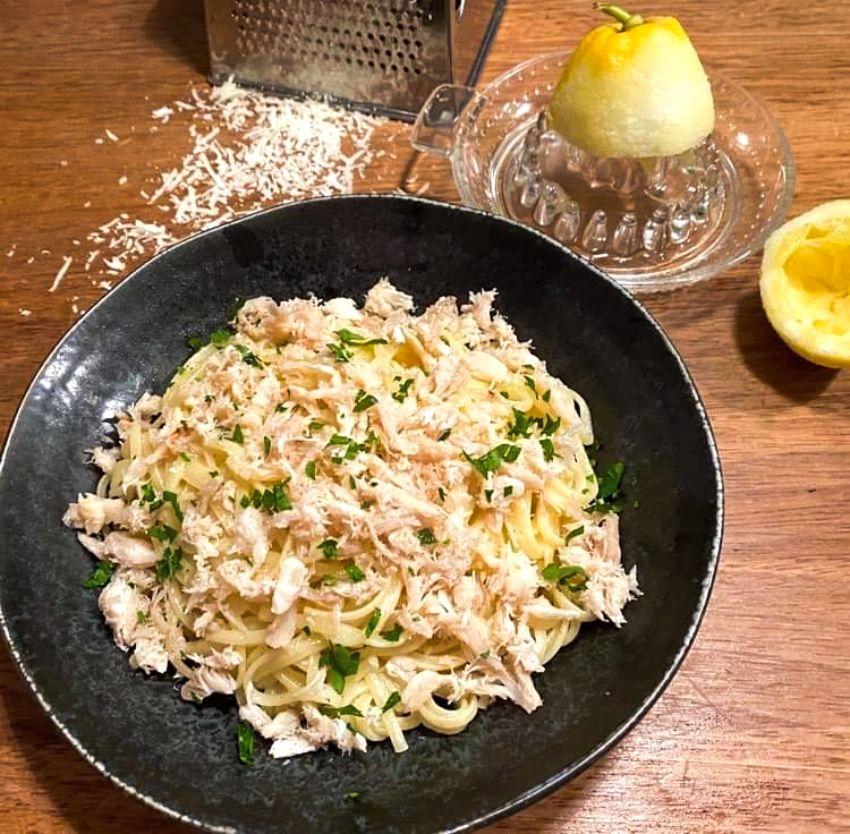 Opskrift: Pasta al limone med krabbekød